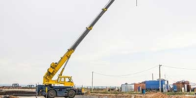 Outrigger design for truck mounted crane